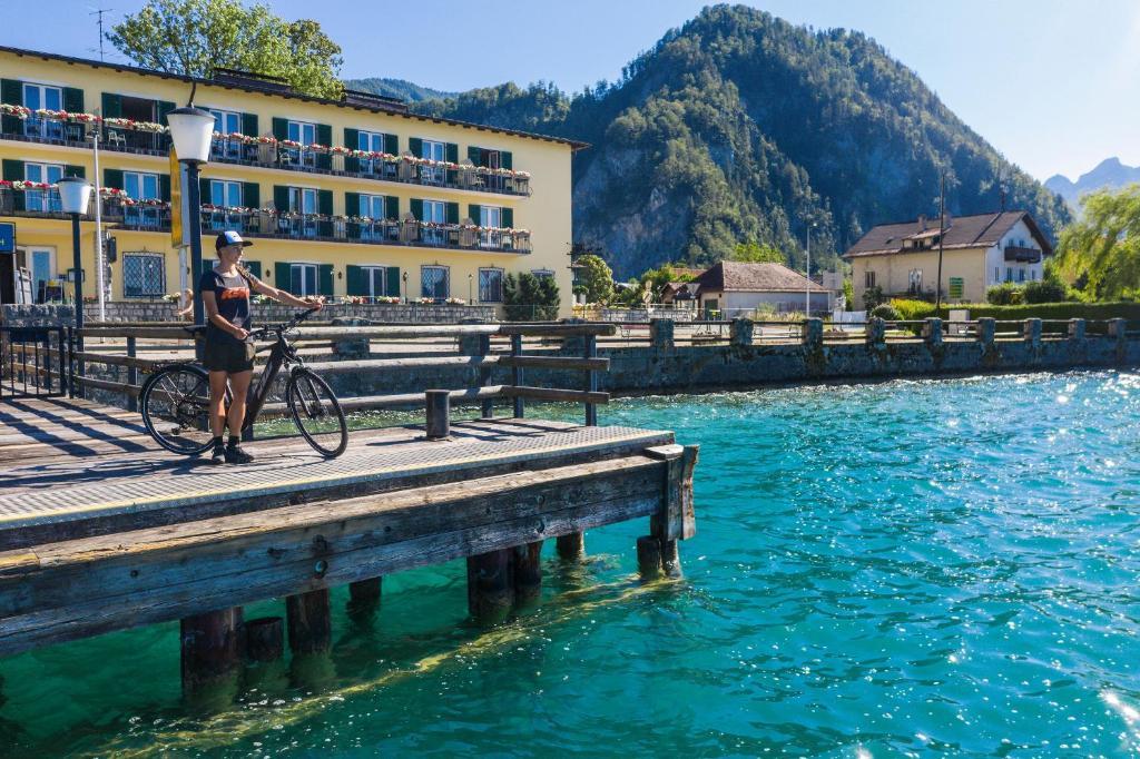 Der Swimmingpool an oder in der Nähe von See-Hotel Post am Attersee