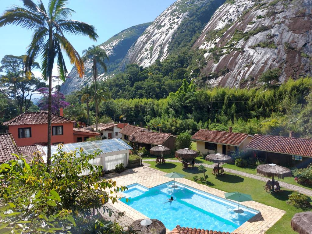 A view of the pool at Hotel Pedra Bonita or nearby