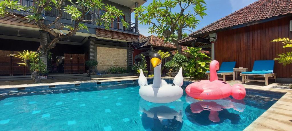 Der Swimmingpool an oder in der Nähe von Hotel Shri Ganesh