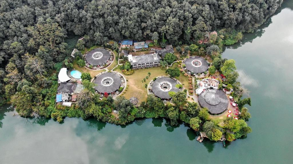 A bird's-eye view of Fish Tail Lodge
