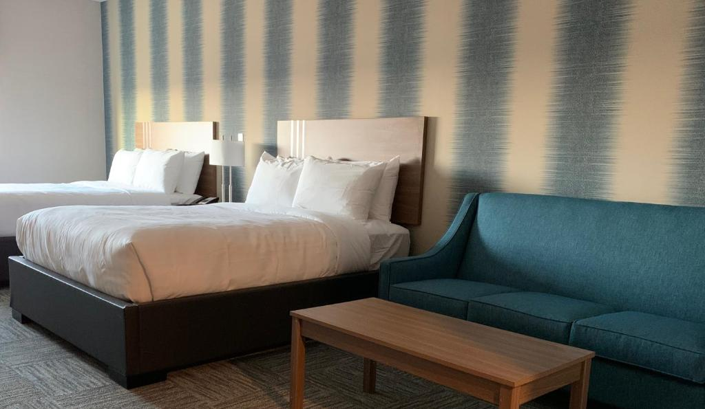 A room at the Meridian Inn & Suites Regina Airport.