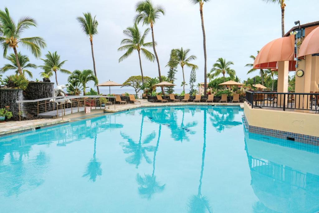 The swimming pool at or near Kona Coast Resort