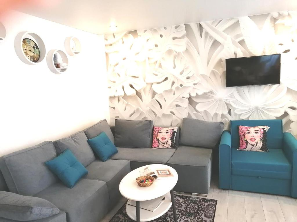 A seating area at Двухкомнатные апартаменты AngelHome