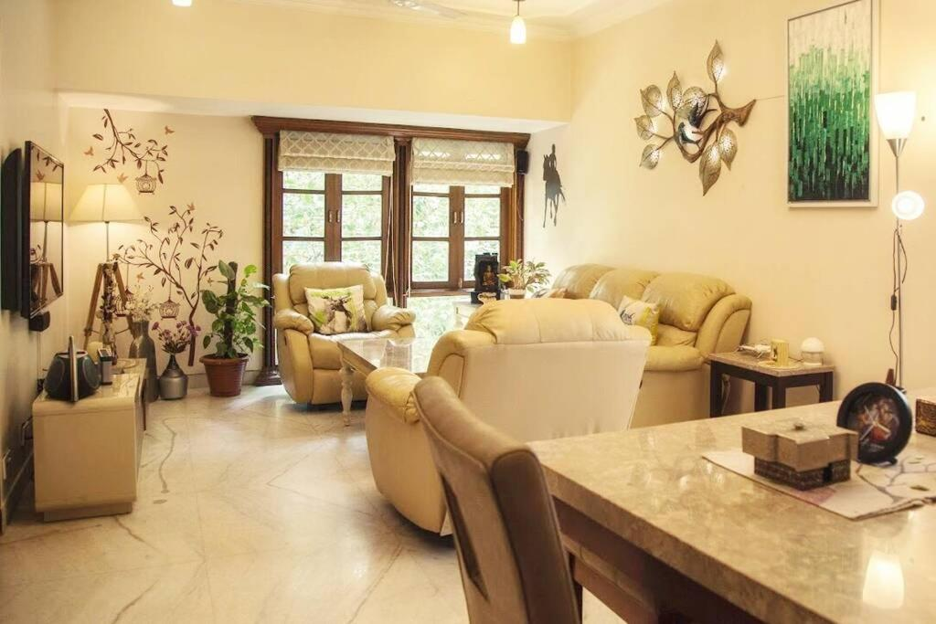 Stylish 5 star luxury home - centrally located