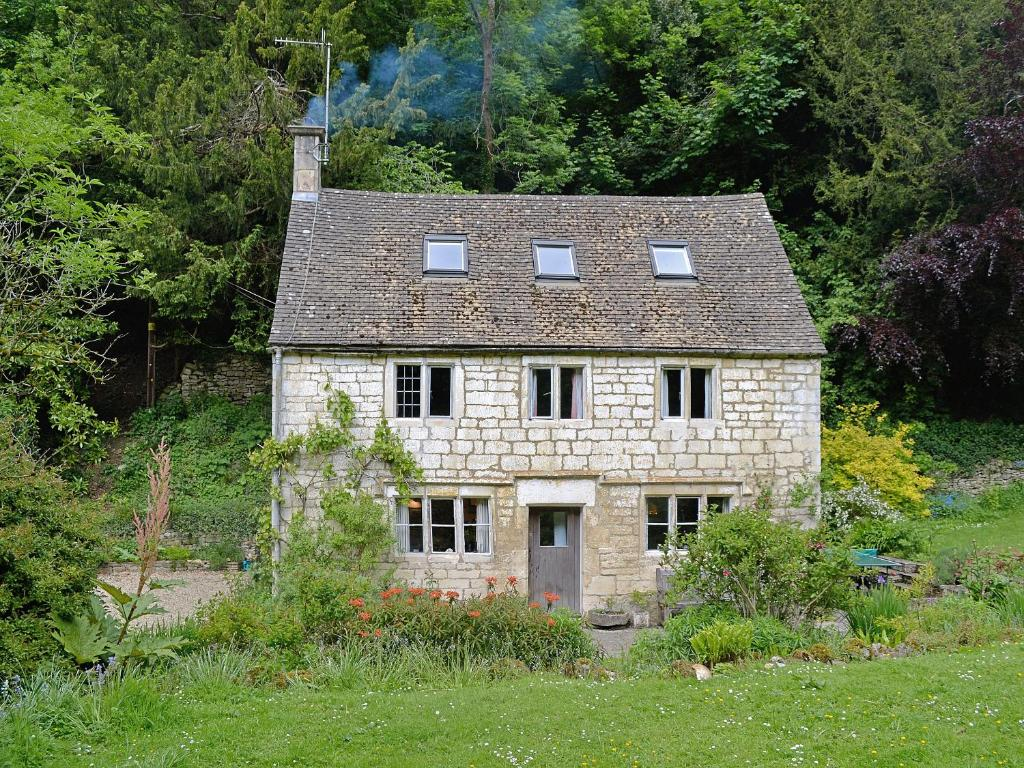 Driftcombe Farmhouse in Bisley, Gloucestershire, England
