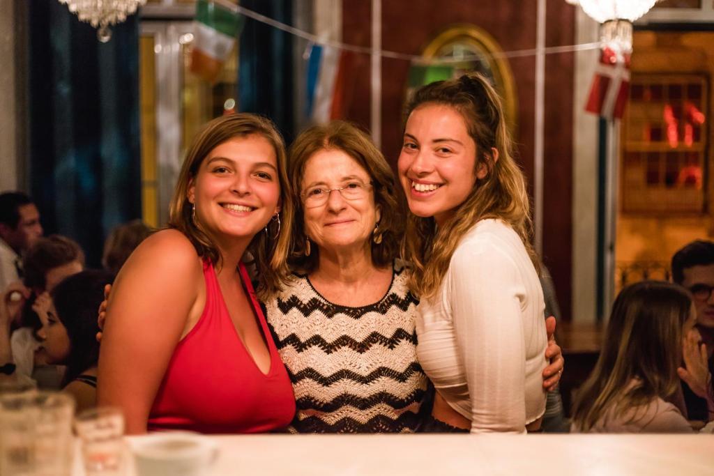 Os clientes hospedados em Home Lisbon Hostel