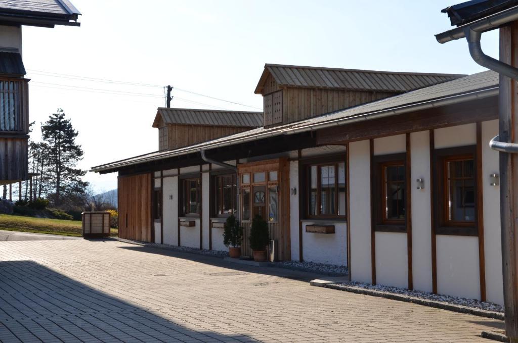 Pension zum Schreiner Hermagor, Austria