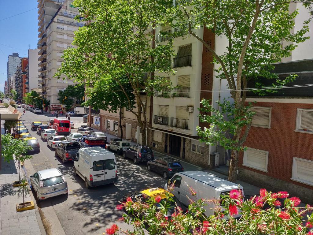 Amplio departamento con cochera a metros de Plaza Colon - Entre Rios 2200