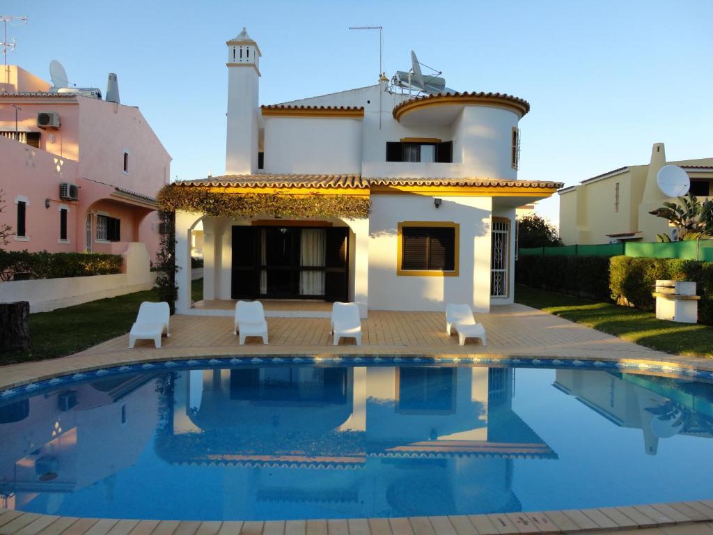 The swimming pool at or near Villa Cavaco