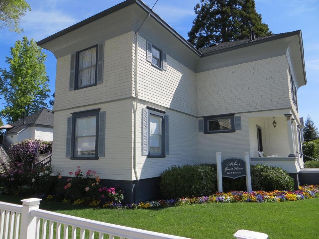 Arbor Guest House