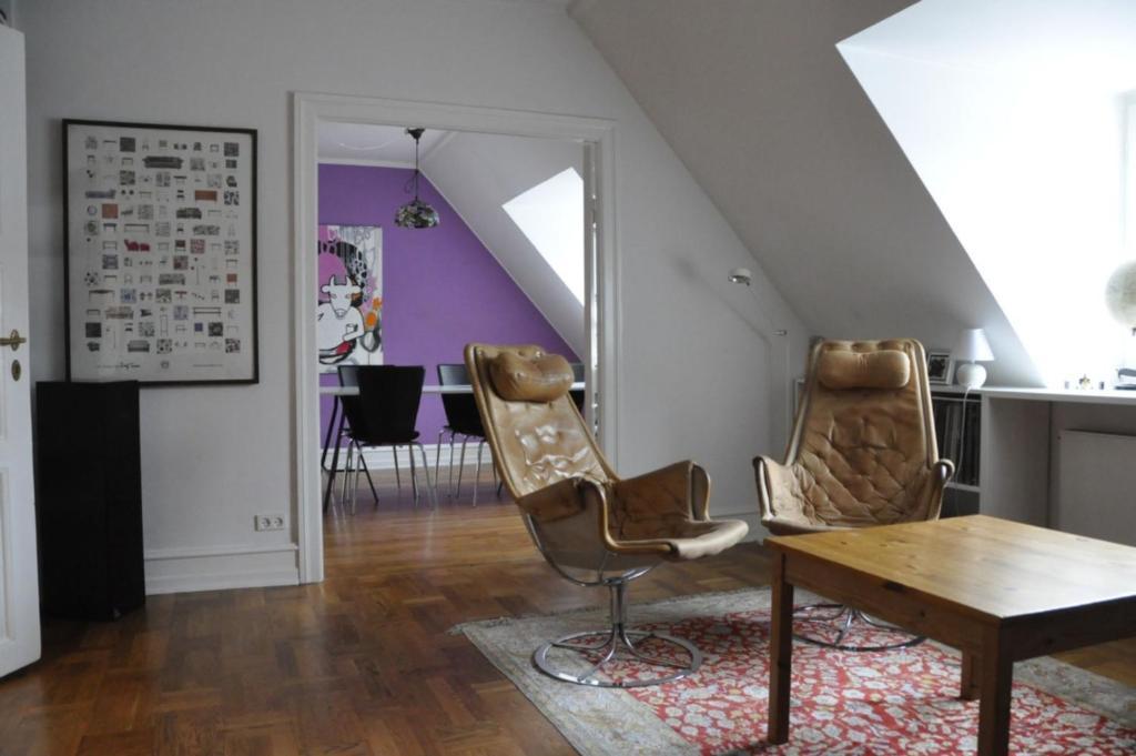 A seating area at ApartmentInCopenhagen Apartment 469