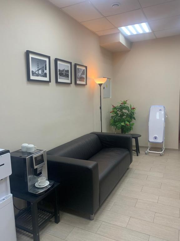 A seating area at Hostel Miller