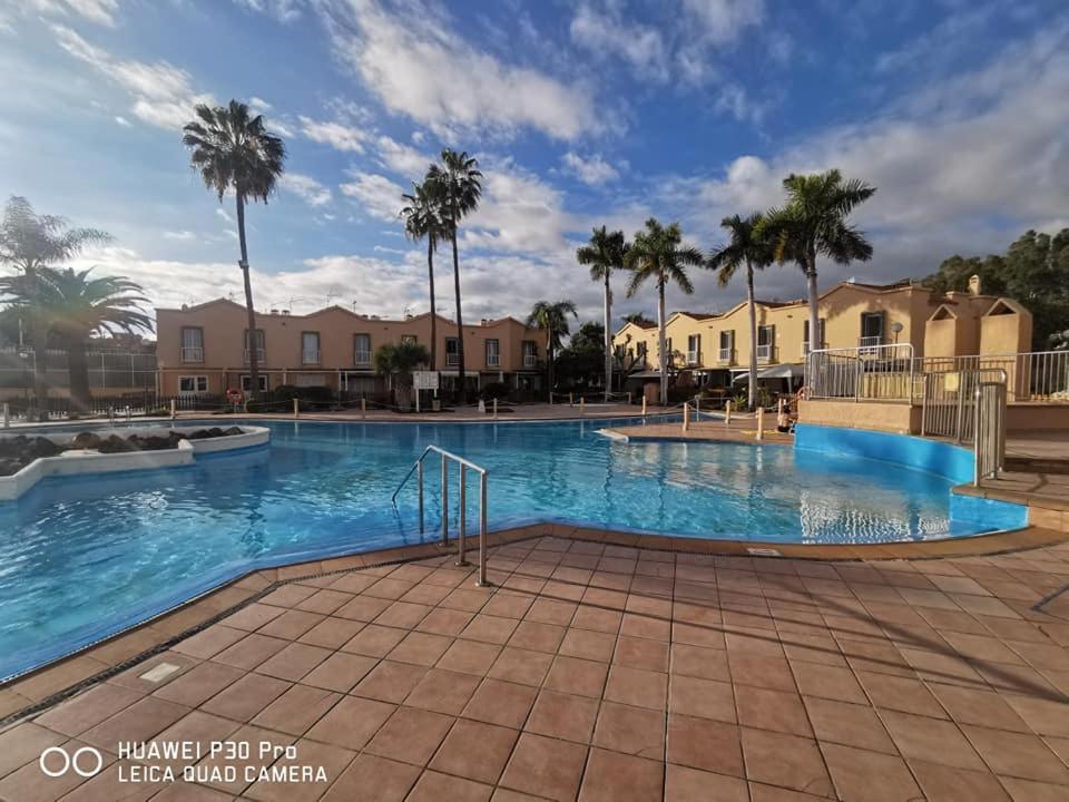 Het zwembad bij of vlak bij Green Oasis Club