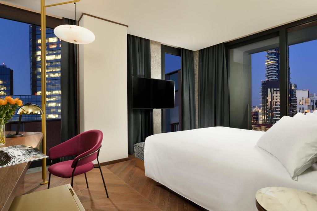 Milano Verticale | UNA Esperienze, April 2021
