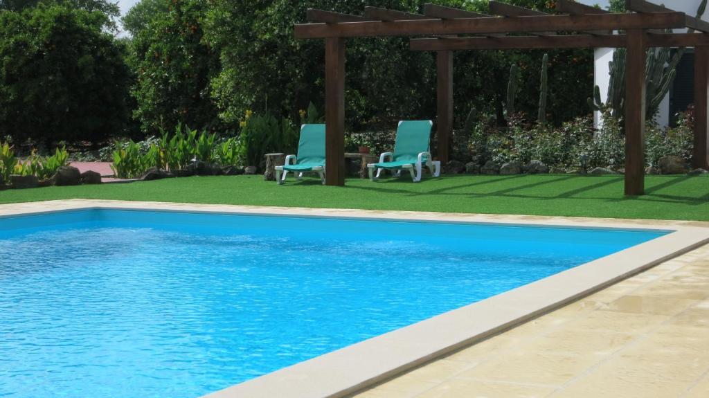Bazén v ubytovaní Horta Da Vila alebo v jeho blízkosti