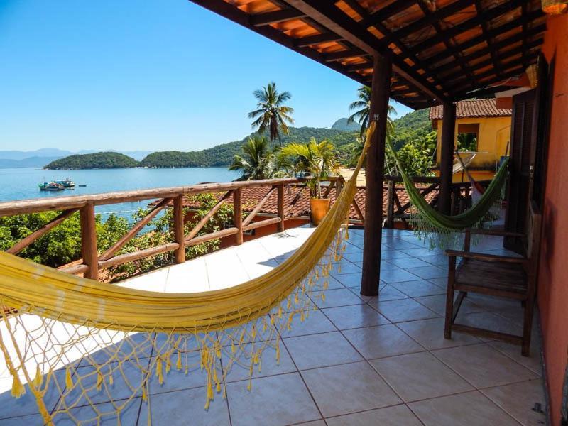 A balcony or terrace at Pousada Mar de Araçatiba