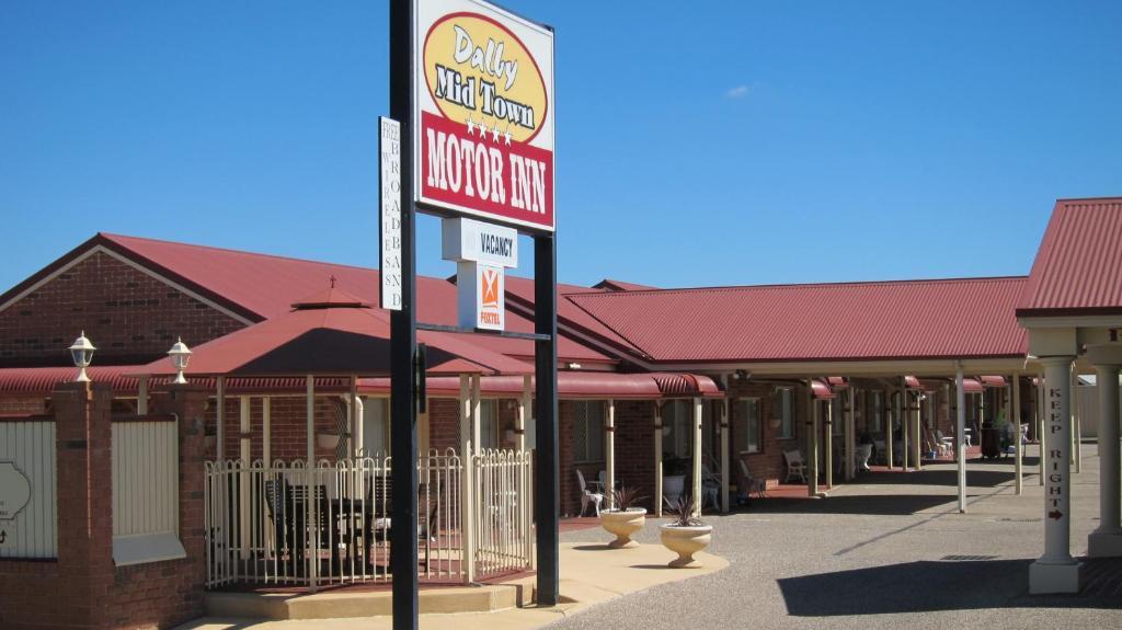 The facade or entrance of Dalby Mid Town Motor Inn