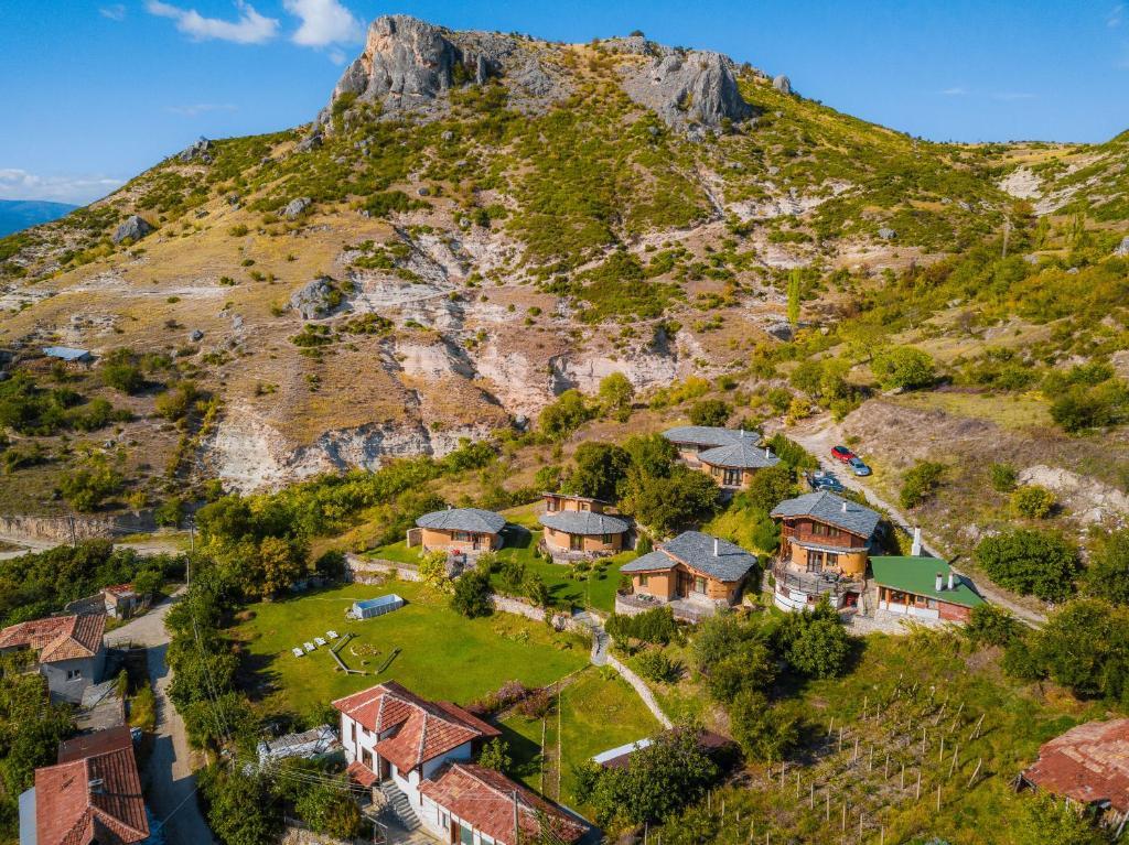 Eco Village Under the Cliffs