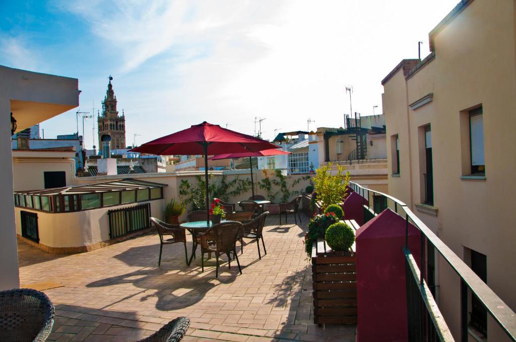A balcony or terrace at Hostal Callejon del Agua