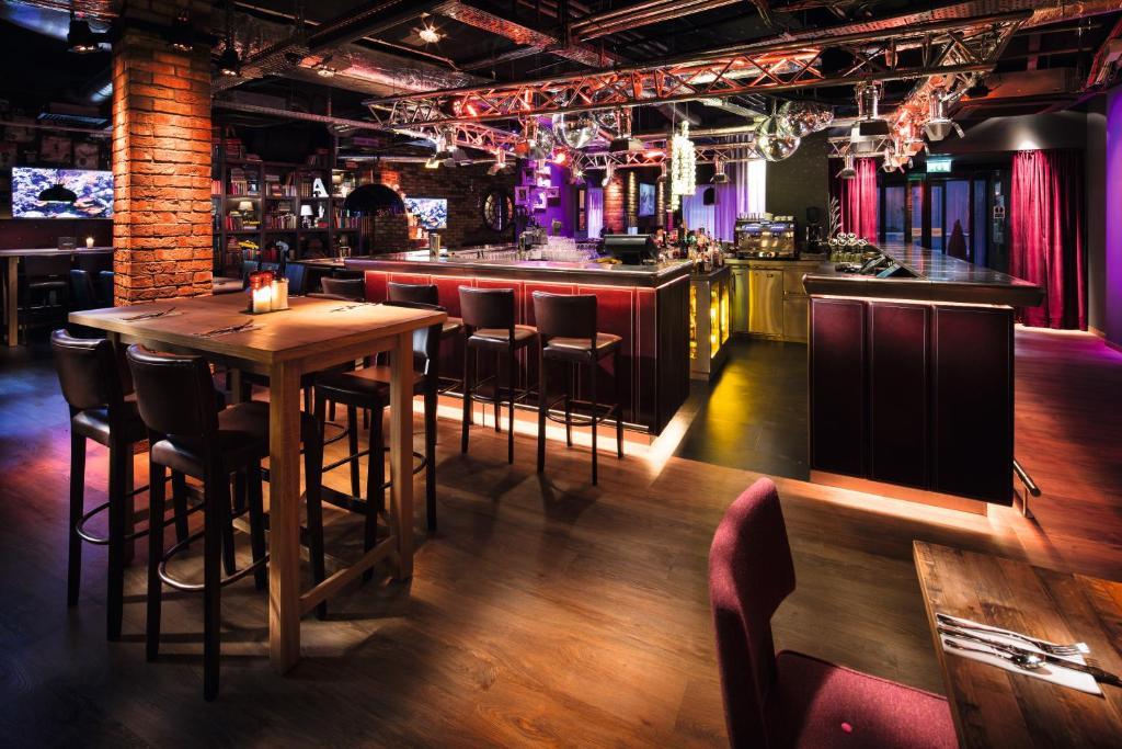 Лаундж или бар в pentahotel Inverness