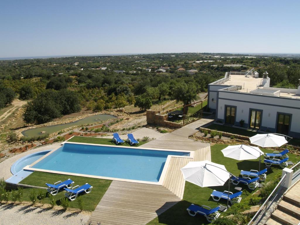 A view of the pool at Casas de Campo em Estoi by Garvetur or nearby