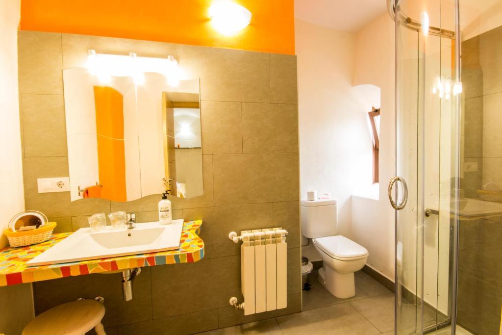 A bathroom at La Posada de Grimaldo