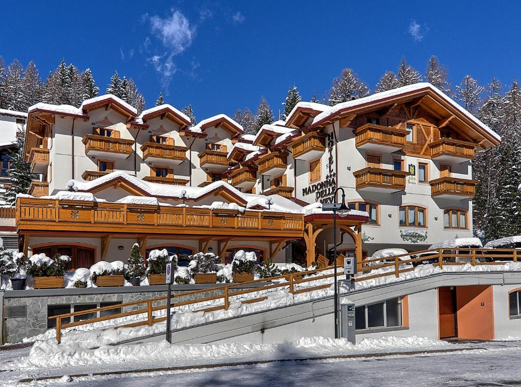 Hotel Madonna delle Nevi during the winter