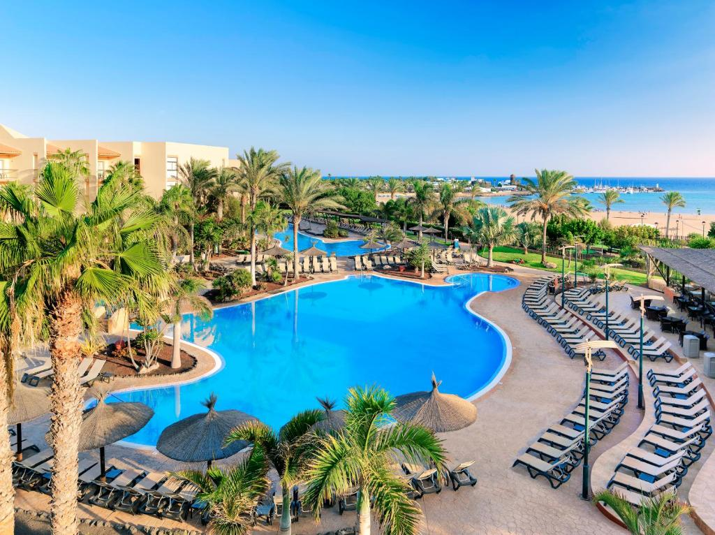 A view of the pool at Barceló Fuerteventura Thalasso Spa or nearby