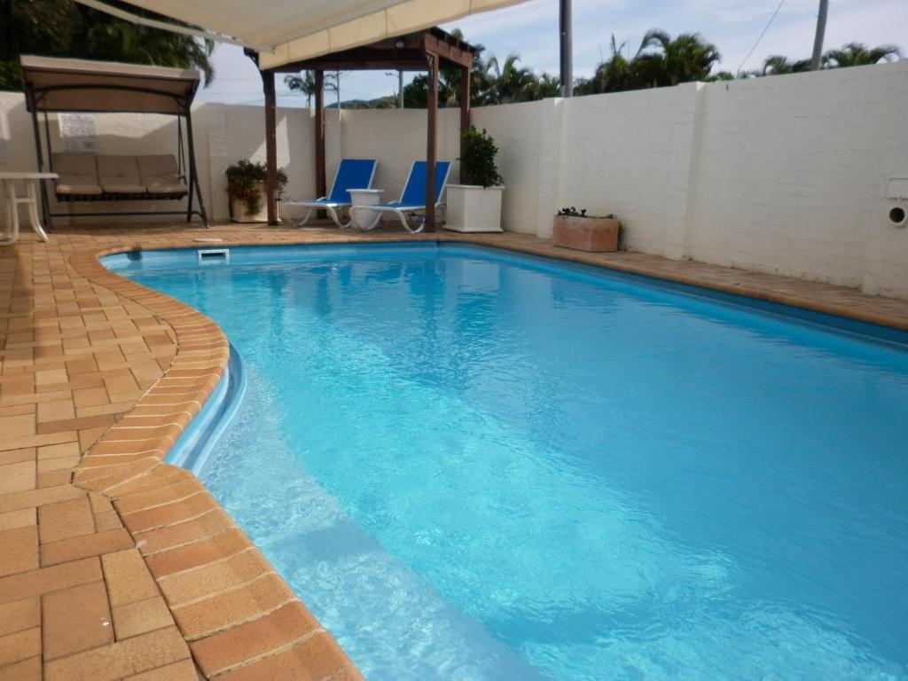 The swimming pool at or near Oceana Holiday Units