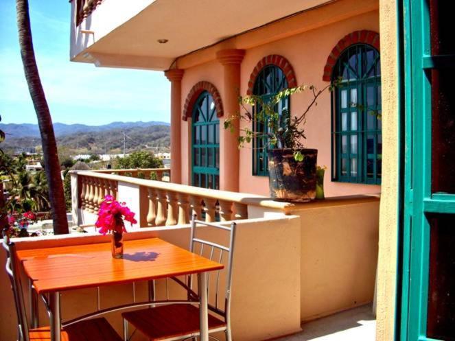 Un balcón o terraza de Condominios Vista Banderas