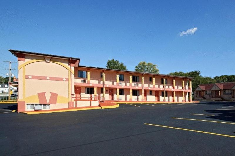 The Regal Inn & Suites