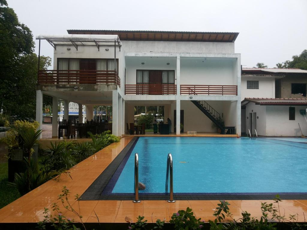 The Mangrovecave Hotel