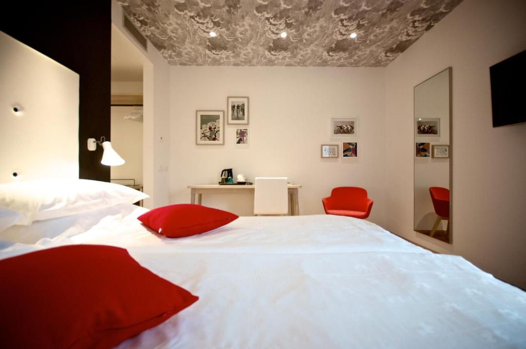 Hotel Luise Riva del Garda, Italy