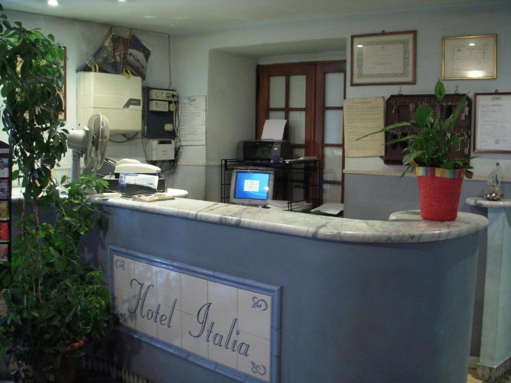 Лобби или стойка регистрации в Hotel Italia
