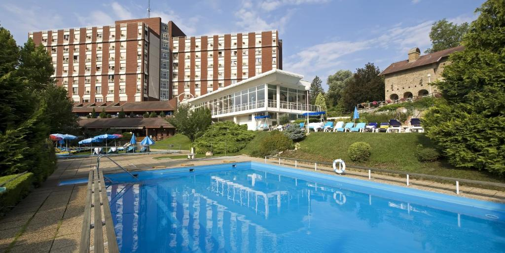 The swimming pool at or close to Ensana Thermal Aqua