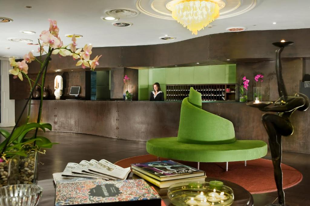 The lobby or reception area at Hotel Abitart
