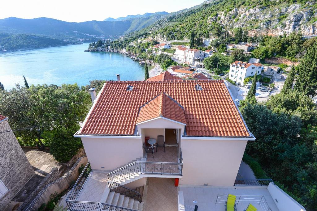 A bird's-eye view of Villa Lanterna