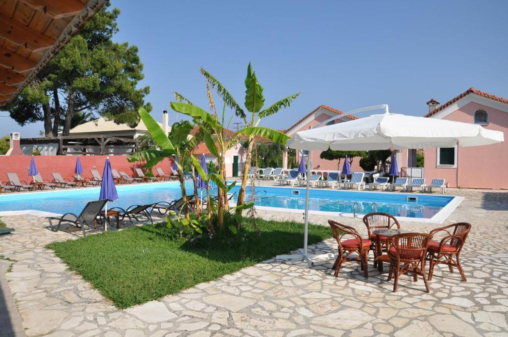 The swimming pool at or close to Tassos Apartments
