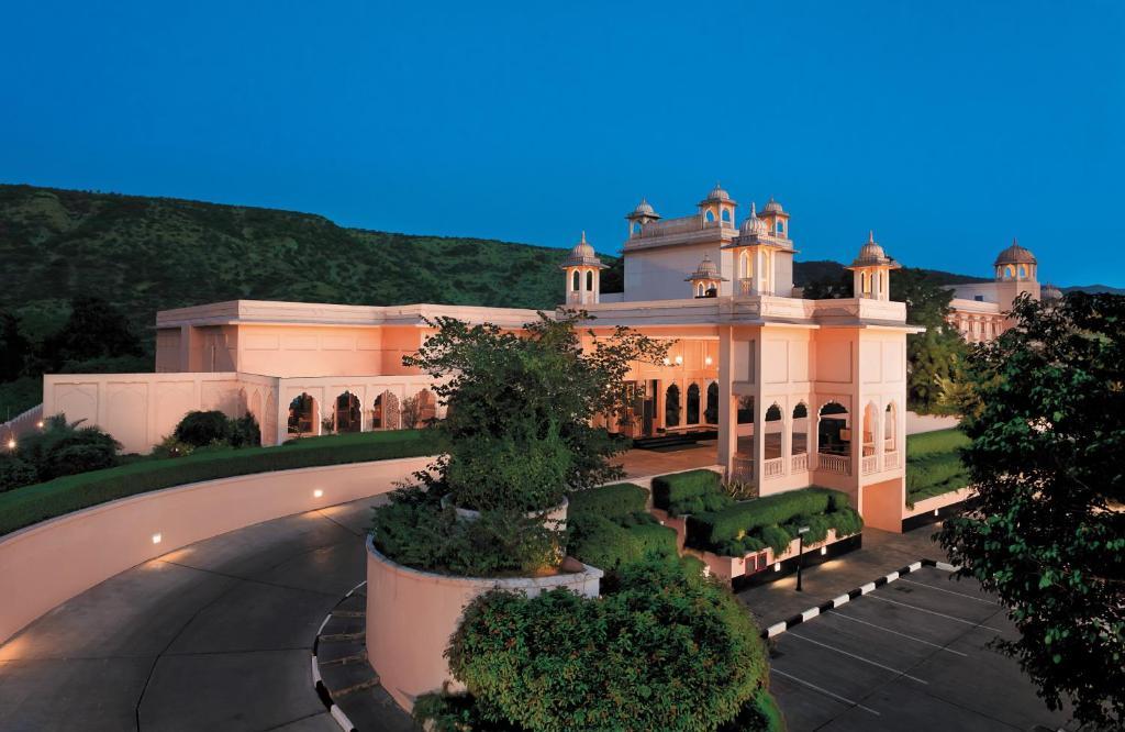 Trident-Hotel-In-Jaipur-Luxury-Hotel-In-Rajasthan