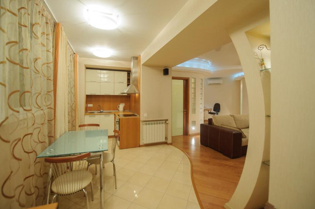 Апартаменты петровские томск дом на севере дубае