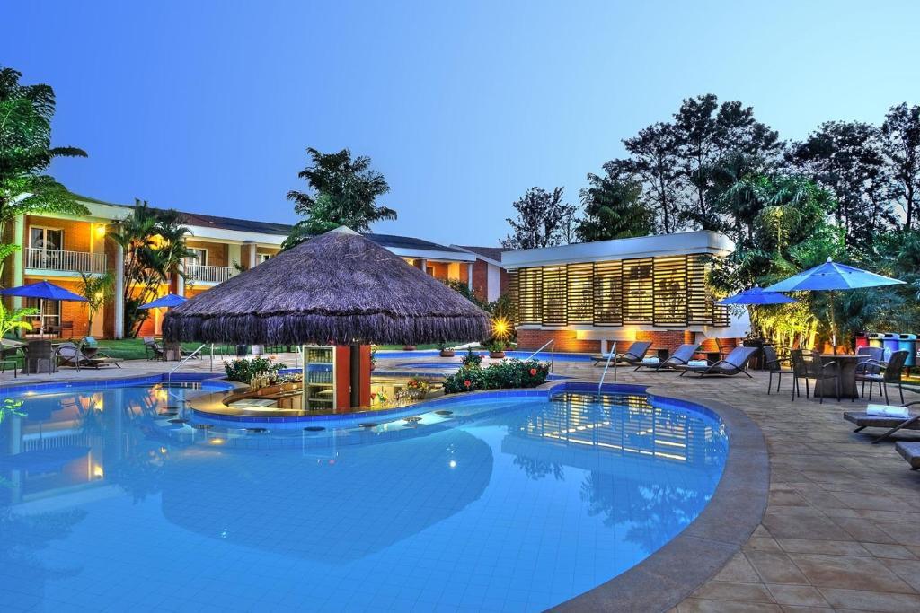 A piscina localizada em Royal Tulip JP Ribeirão Preto ou nos arredores