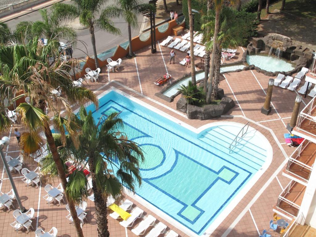 Uitzicht op het zwembad bij Hotel Reymar of in de buurt