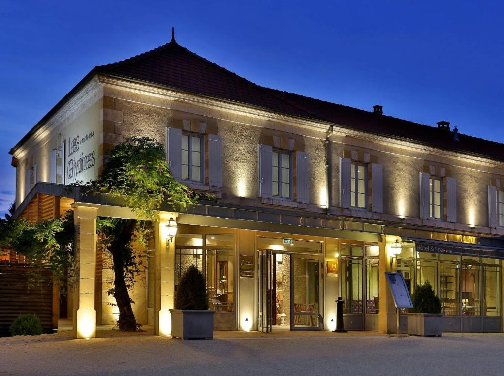 Hotel Les Glycines - Restaurant & Spa Les Eyzies-de-Tayac, France