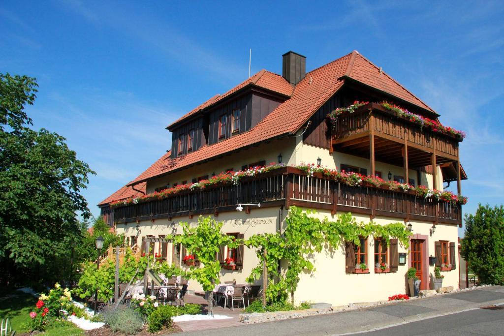 Gasthof zum Rodelseer Schwan Rodelsee, Germany