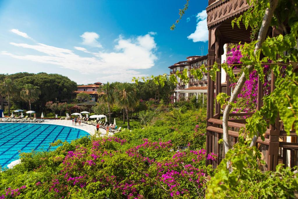 A view of the pool at Selectum Family Resort or nearby