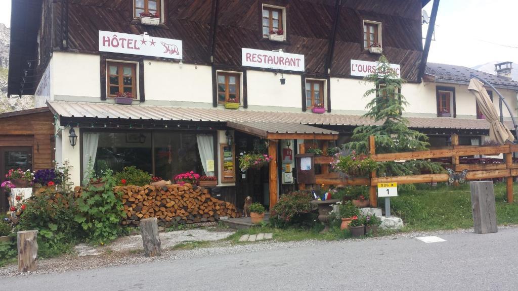 Hostels In Beauvezer
