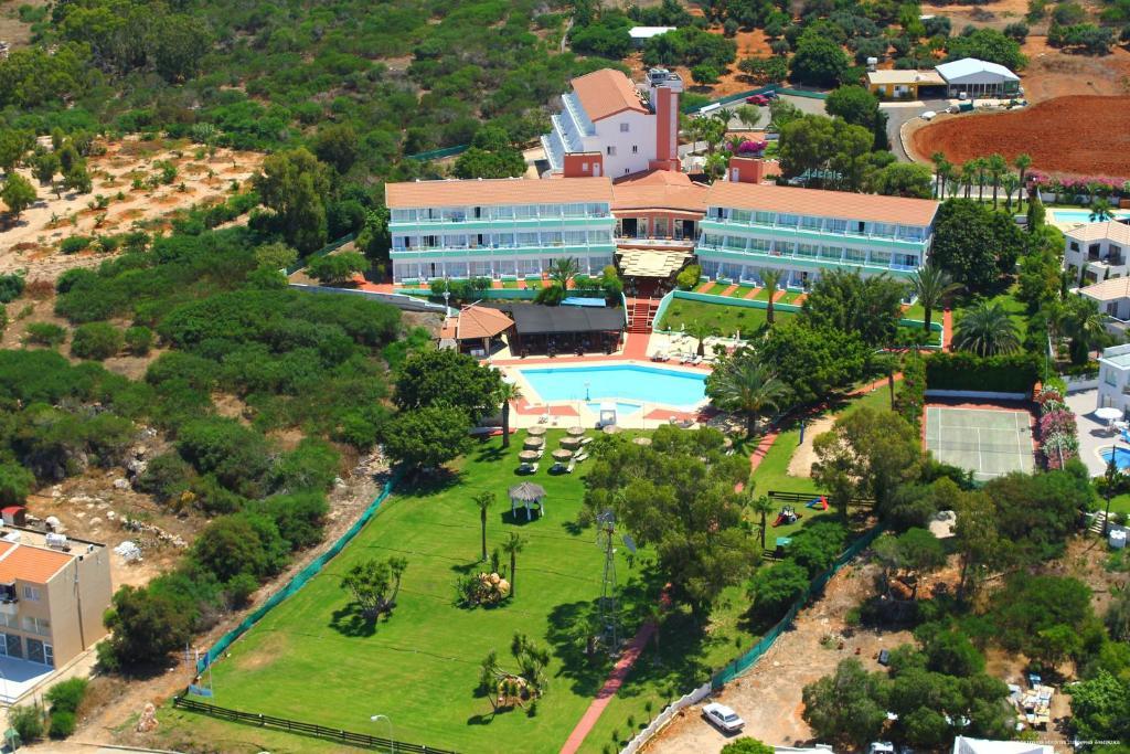 Adelais Bay Hotel с высоты птичьего полета