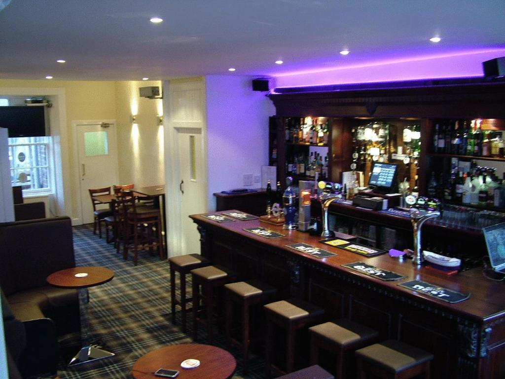 The lounge or bar area at Aberdour Hotel