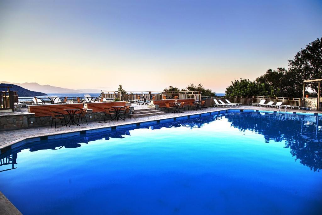 Πισίνα στο ή κοντά στο Elpida Village