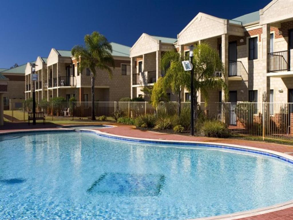 The swimming pool at or near Country Comfort Perth